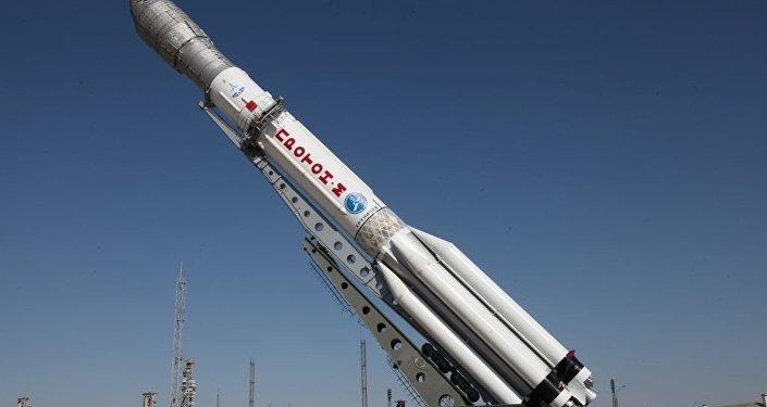 Архивное фото ракеты-носителя Протон-М