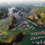 Снимок Cát Bà Island's Floating Fishing Village фотографа Phát Đào Tấn, вошедший в ТОП-50 категории Amateur Landscape конкурса the EPSON International Pano Awards 2018