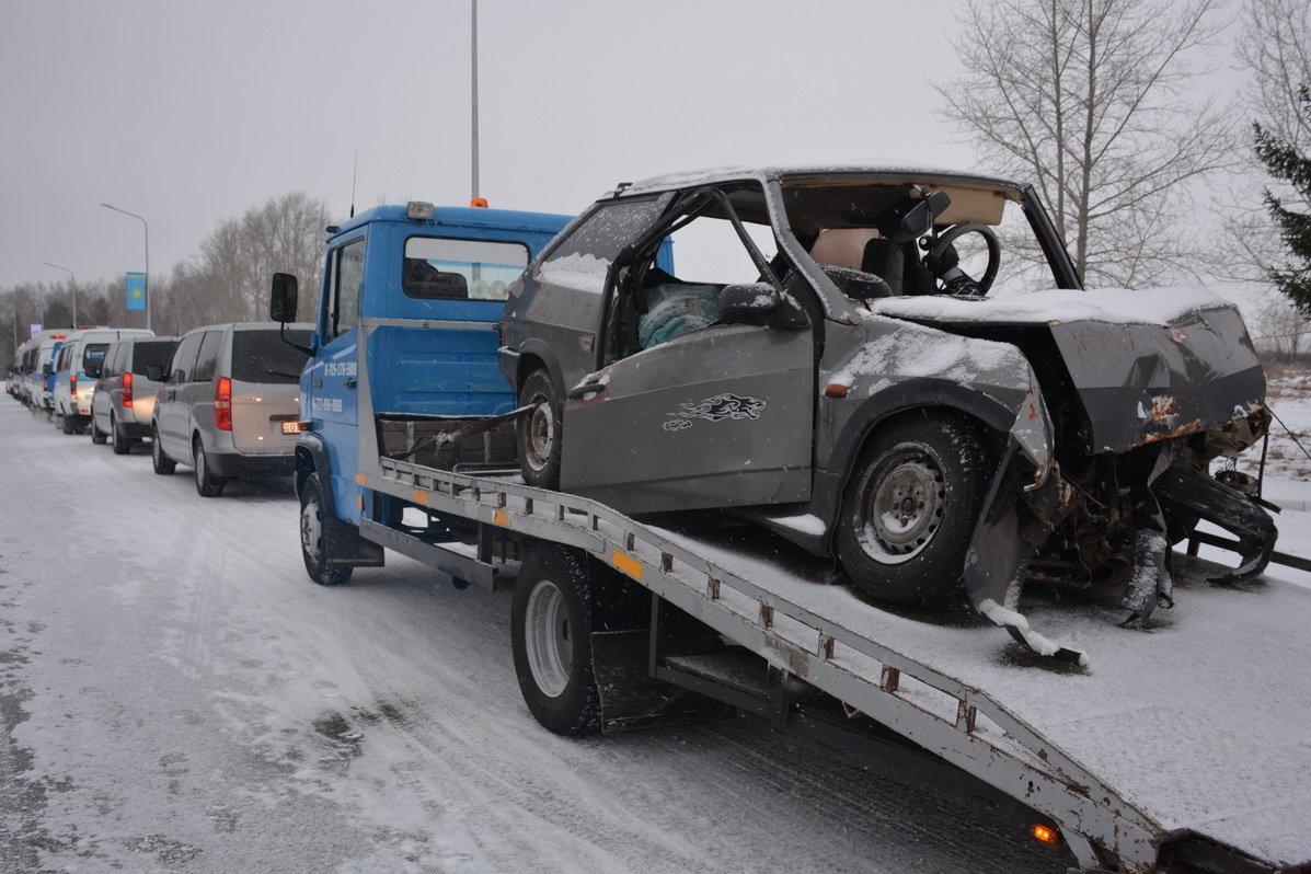 Автокараван с разбитыми авто в Петропавловске