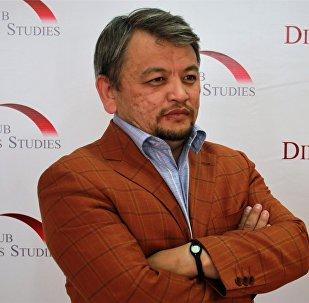 Асылбек Ізбайыров, тарих ғылымдарының докторы