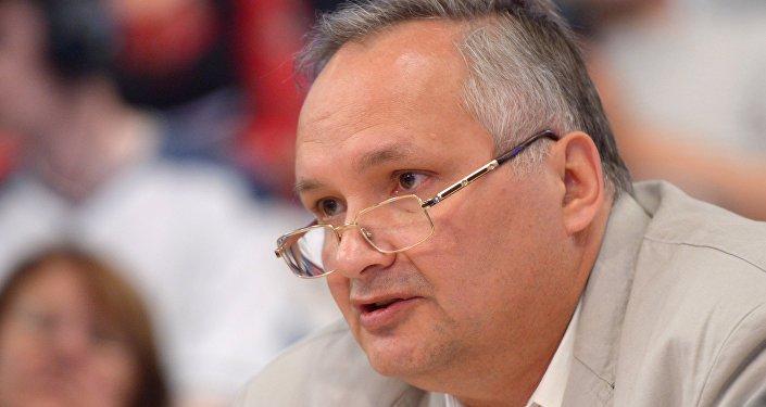 Российский политолог, заместитель декана факультета мировой экономики и мировой политики НИУ ВШЭ Андрей Суздальцев