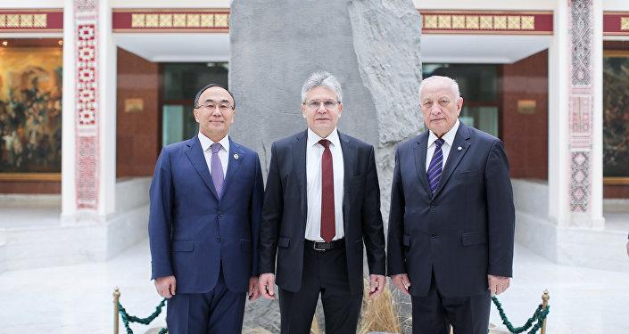 Президент РАН провел в ЕНУ лекцию о научных исследованиях в России, о стратегии научно-технологического прогресса, затронул тему эффективной и чистой энергетики