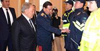 Стражи порядка в Казахстане будут носить форму темно-синего цвета. На форме полицейских появится слово POLITSIIA, надписи на латинице будут и на шевронах