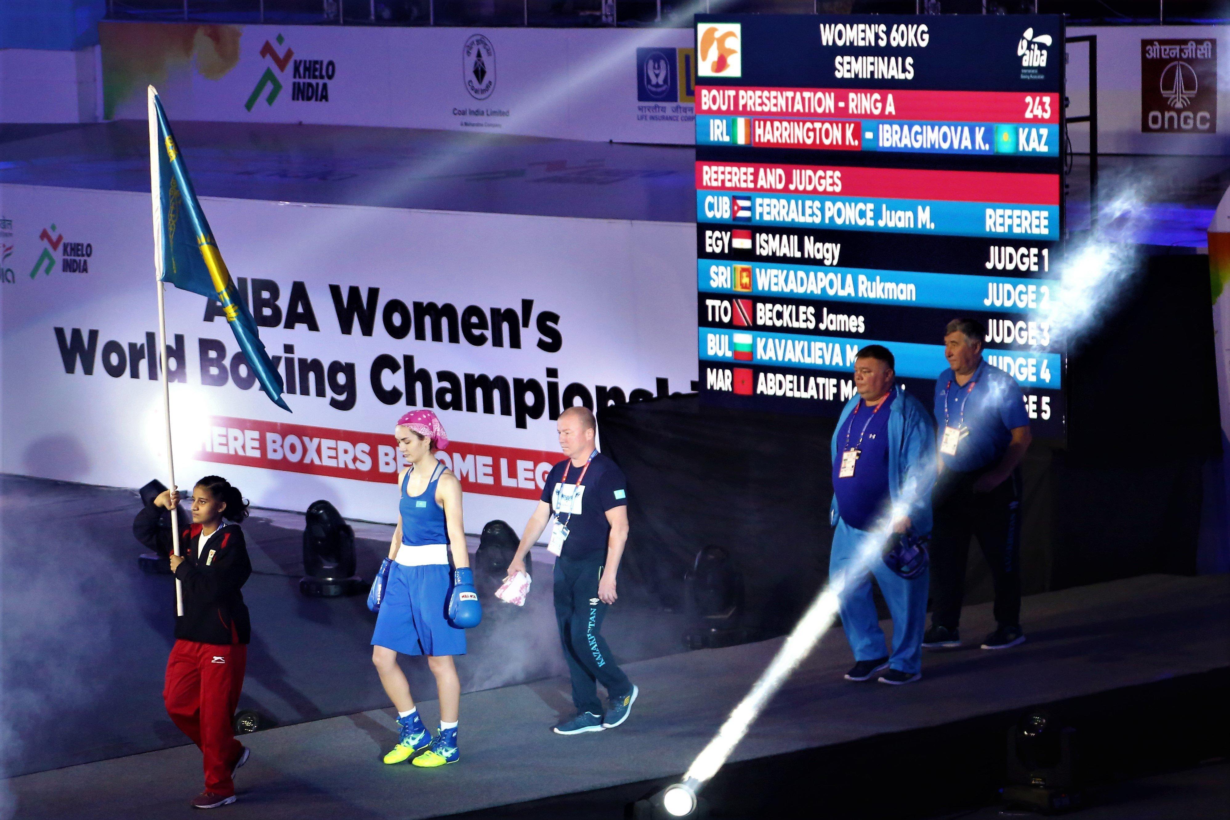 Карина Ибрагимова на чемпионате мира по боксу