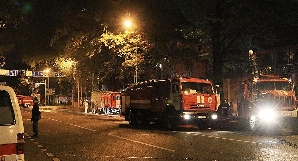 Пожар в алматинской гостинице Жетiсу