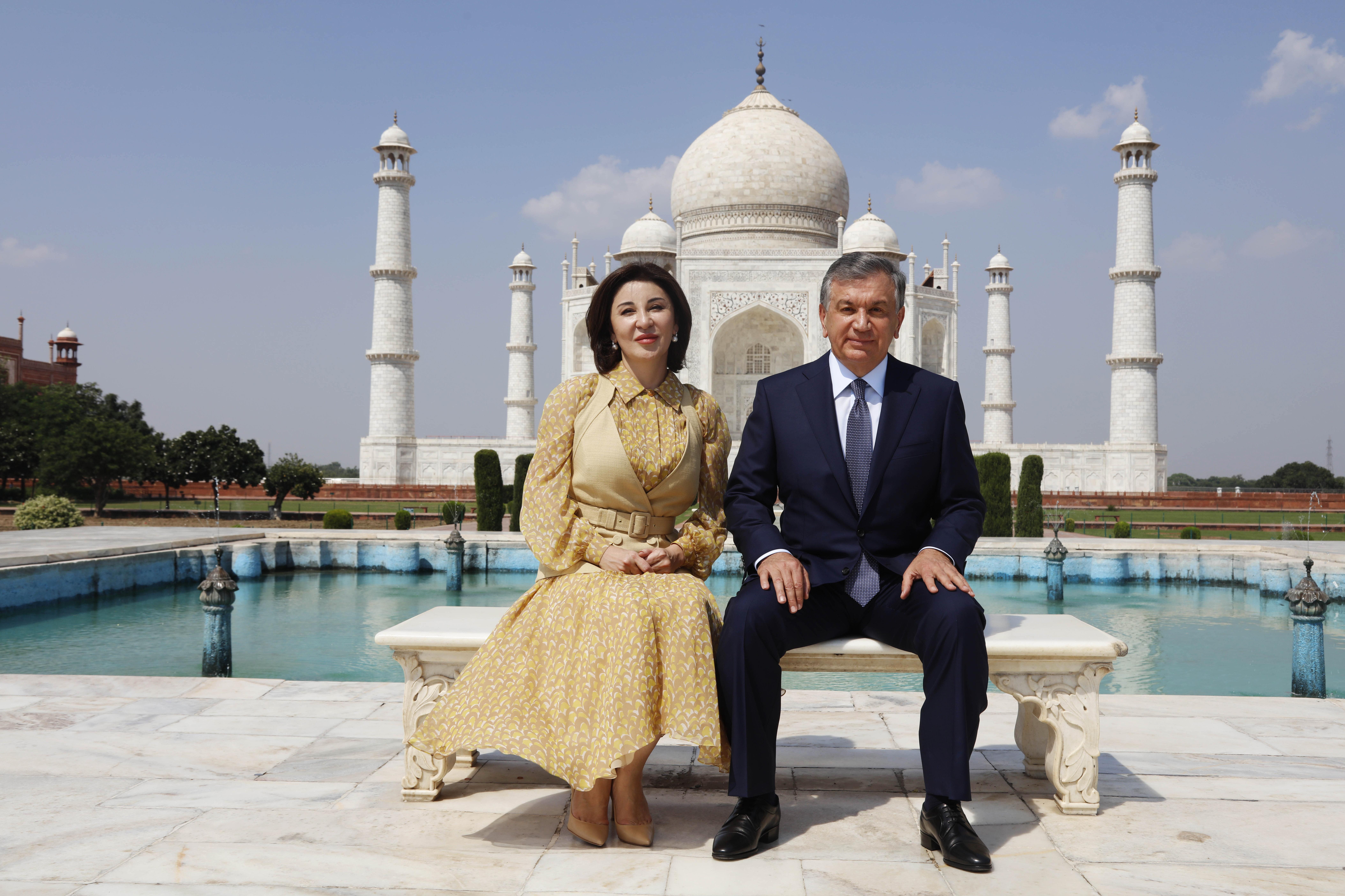 Президент Узбекистана Шавкат Мирзиеев с супругой 30 сентября посетили комплекс Тадж-Мхал в Агре