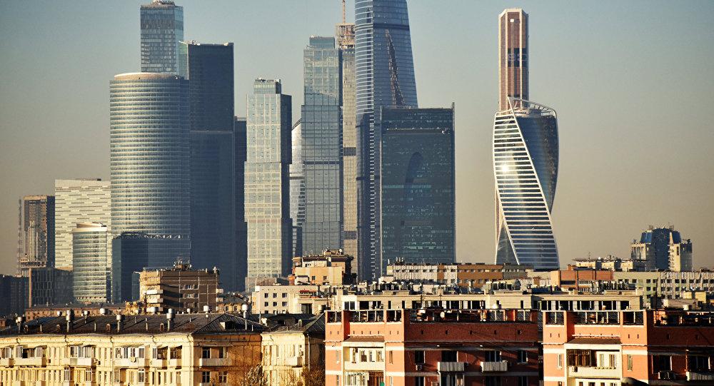 Жилые дома и небоскребы делового центра Москва-сити