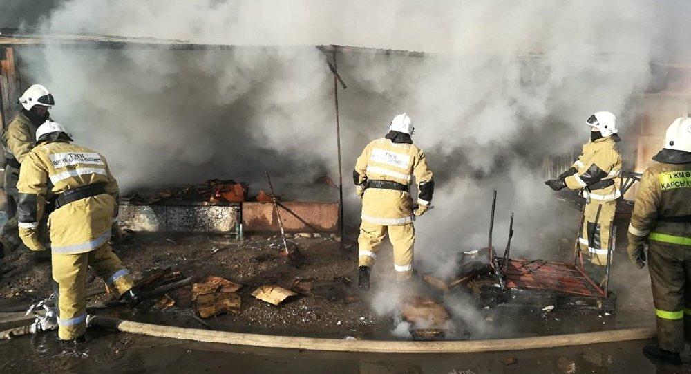 Пожар на рынке в Таразе