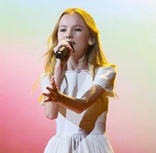 Данэлия Тулешова во время репетиции на конкурсе Десткого Евровидения в Минске