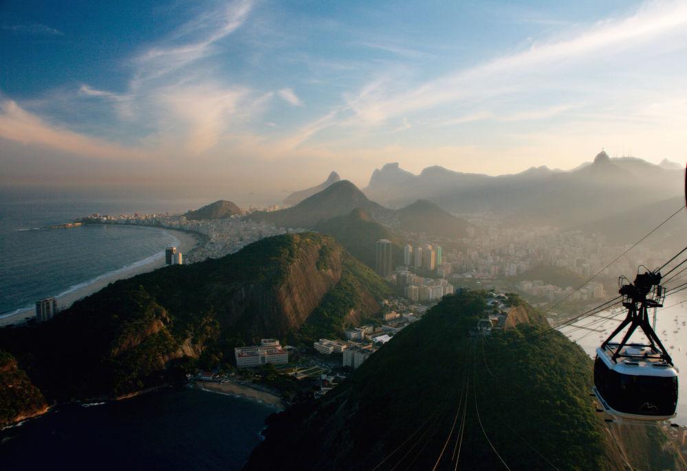 Канатная дорога над Рио-де-Жанейро в Бразилии