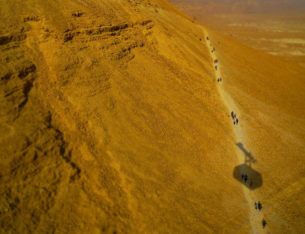 Канатная дорога к крепости Масада в Израиле