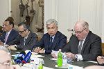 Посол Казахстана в РФ Имангали Тасмагамбетов на конференции Казахстан-Россия: горизонты стратегического партнерства в Москве