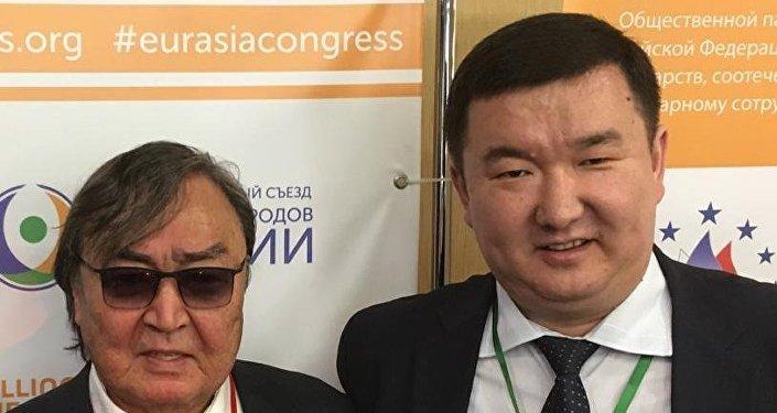 Ерғали Ыбыраев Олжас Сүлейменовпен бірге