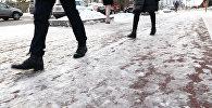 Переломы руки и ног - Астана превратилась в огромный каток