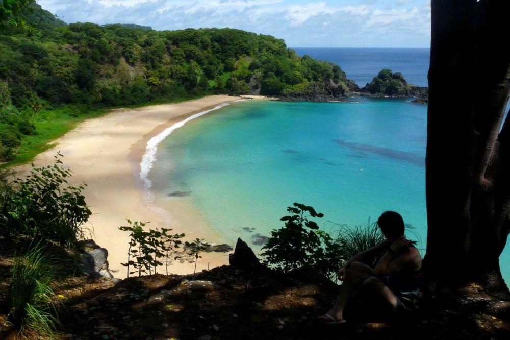 Пляж Баия-ду-Санчо в Бразилии