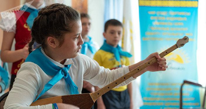 Выступление воспитанников детского реабилитационного центра