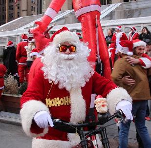 Фестиваль Санта-Клаусов в Нью-Йорке