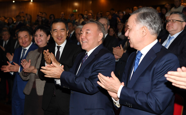 Президент Казахстана Нурсултан Назарбаев посетил показ фильма Путь Лидера. Астана