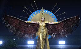 Участница Мисс Вселенная Сабина Азимбаева из Казахстана на конкурсе национальных костюмов