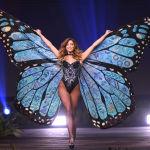 Представительница Коста-Рики во время показа национальных костюмов в рамках конкурса Мисс Вселенная 2018 в Таиланде