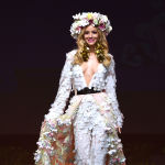 Представительница Польши во время показа национальных костюмов в рамках конкурса Мисс Вселенная 2018 в Таиланде