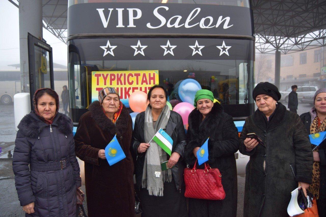 Запуск автобусного рейса между Туркестаном и Ташкентом