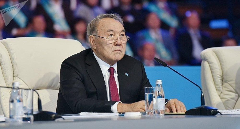 Назарбаев  почему мы все еще импортируем одежду и то, что можно ... 3e1a81fa0a0
