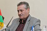 Публицист и драматург Эльчин Гусейнбейли