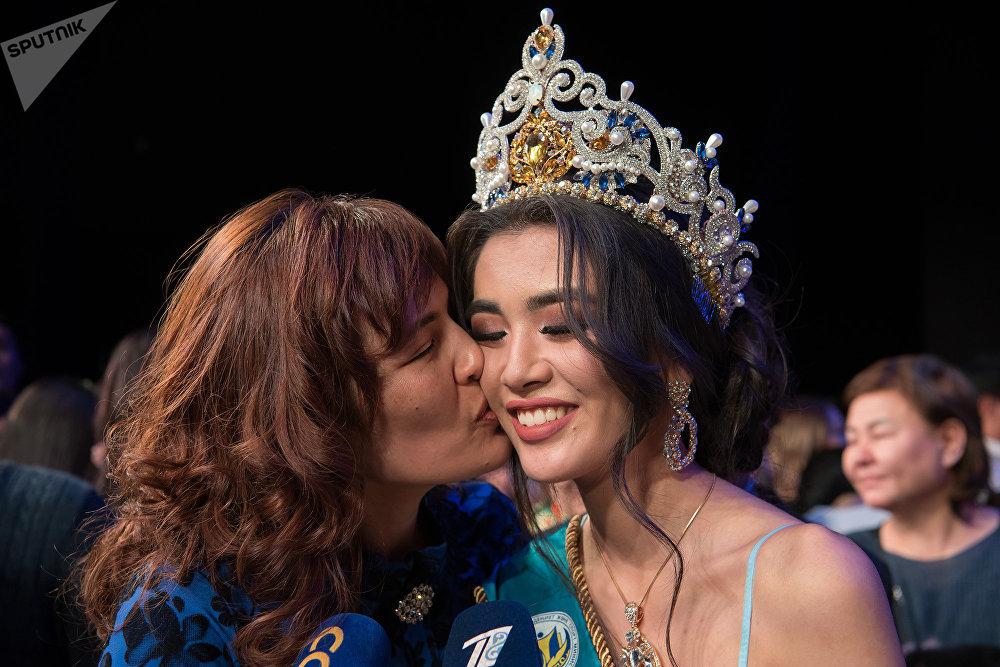 Победительница конкурса красоты Мисс Астана - 2018 Еркеназ Сейфулла