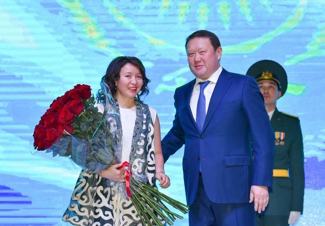 Актриса Самал Еслямова и аким Северо-Казахстанской области Кумар Аксакалов
