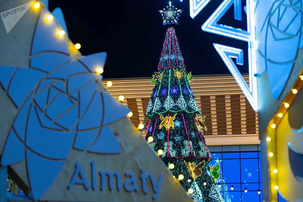 Новогодняя елка в Алматы