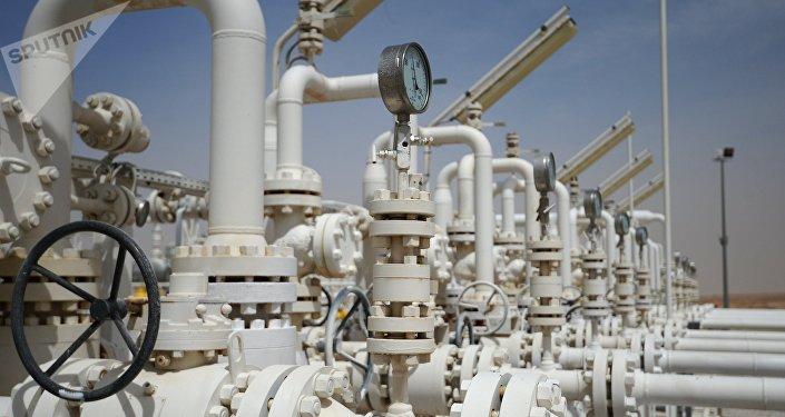 Газоперерабатывающий завод, архивное фото