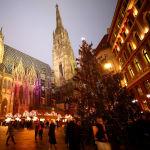 Вена қаласында Киелі Стефан соборы алдындағы рождестволық жәрмеңкенің шыршасы.