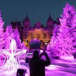 Монакодағы Монте-Карло казиносы алдындағы рождество шыршасы