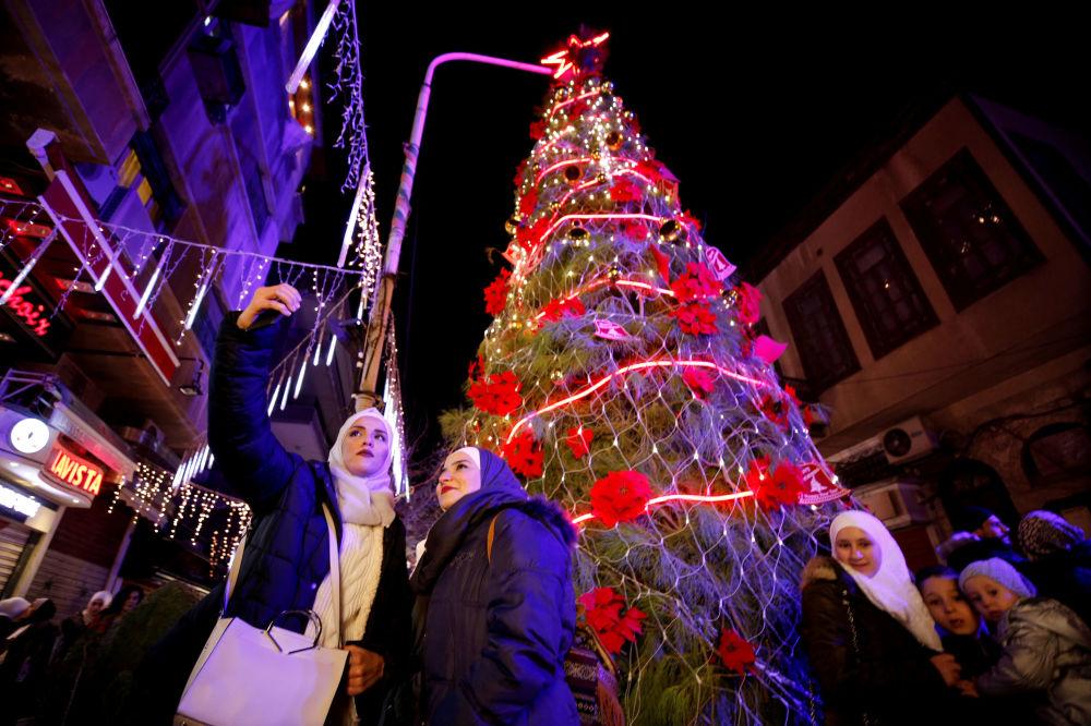 Дамасктегі рождество шыршасы.