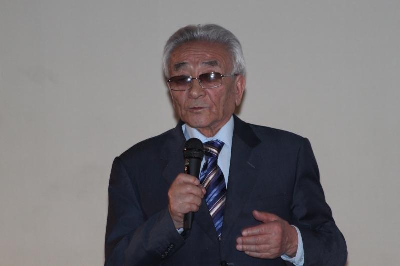 Глава Казахской академии питания Торегельды Шарманов