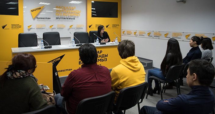 Студенты в офисе Sputnik Казахстан