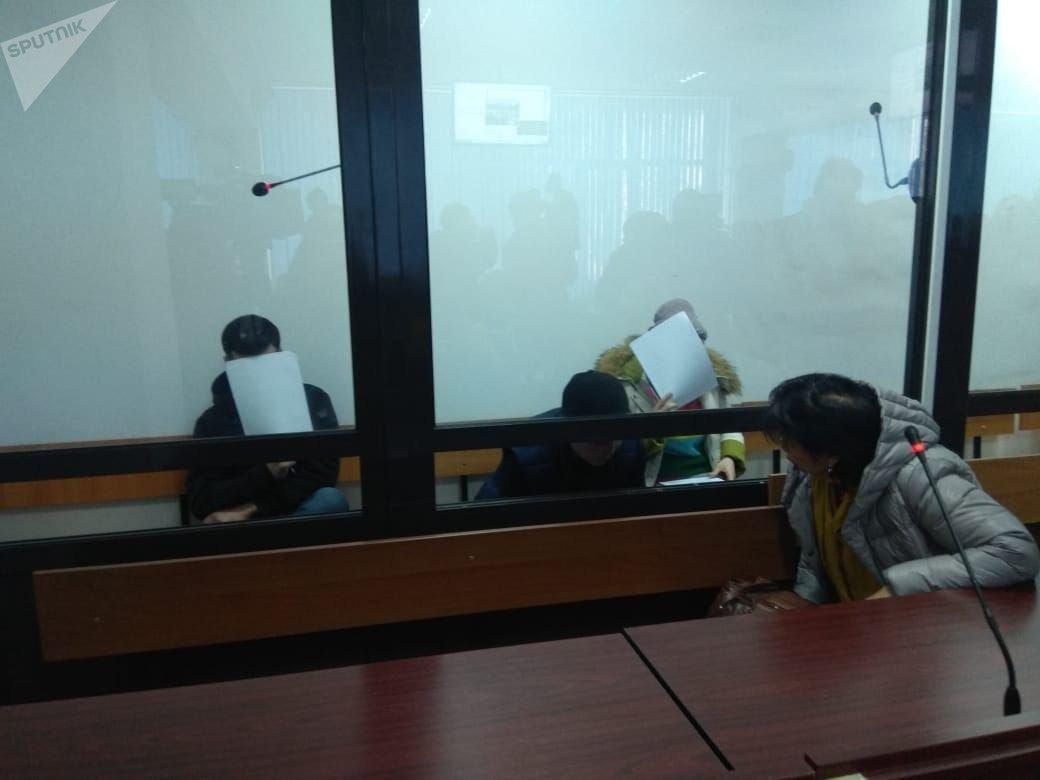 Подозреваемые в убийстве казахстанского фигуриста Дениса Тена в зале судебных заседаний