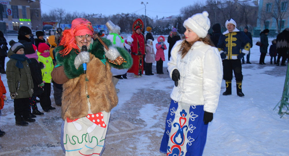 Бесплатное уличное представление в честь Нового года для жителей Байконура