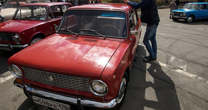 Архивное фото втомобиля ВАЗ 2101 Жигули