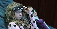 Дети в кинозале, архивное фото