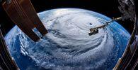 Ураган, снятый из космоса