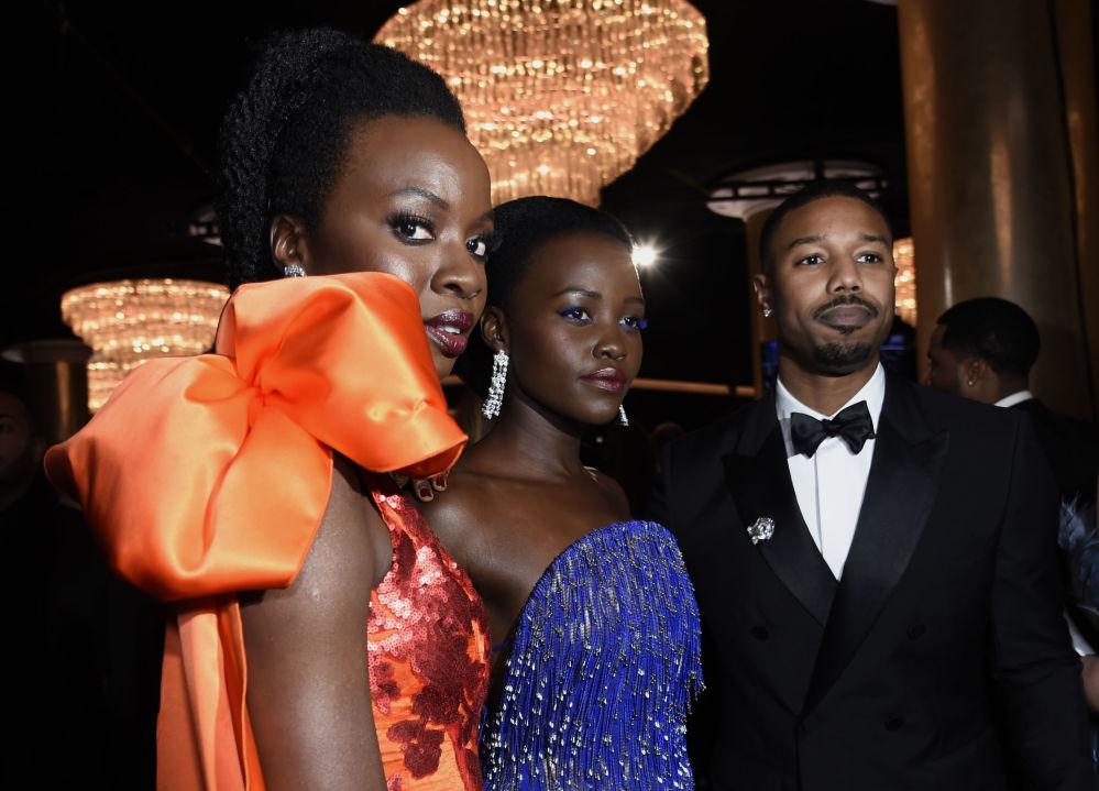 Гости на церемонии вручения премии Золотой глобус в Калифорнии
