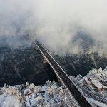 Автомобильный Коммунальный мост через реку Енисей в Красноярске