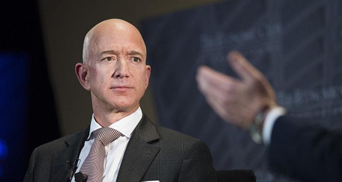 Глава компании Amazon Джефф Безос