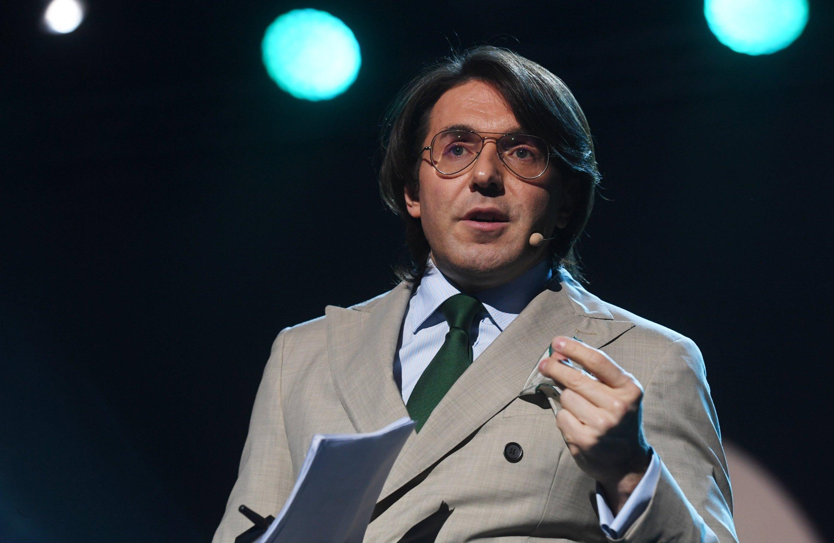 Андрей Малахов: У меня нет и никогда не было психолога. Есть знакомые священники, есть спортзал и восемь часов сна