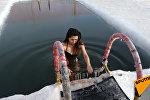 Не для слабонервных: как столичные моржи купаются в ледяной воде и остаются здоровыми