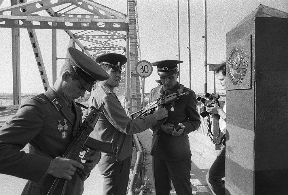 Пограничники готовятся к торжественной встрече первой колонны из Афганистана