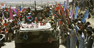 Поэтапный вывод ограниченного контингента советских войск из Афганистана. Мирные жители провожают домой советских воинов-интернационалистов.