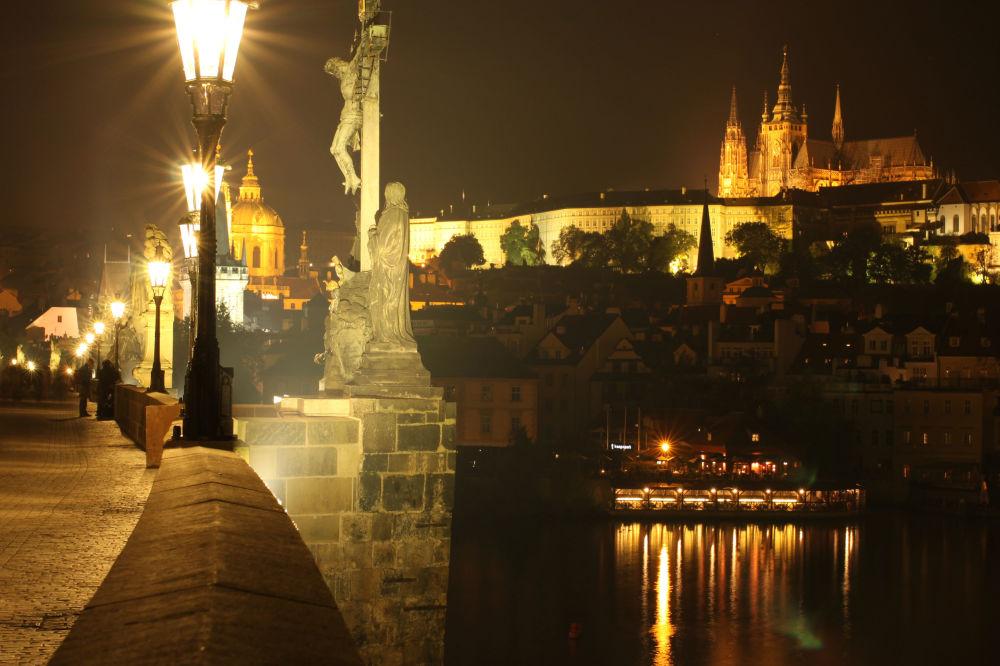 Вид на ночной город Прага, Чешская Республика